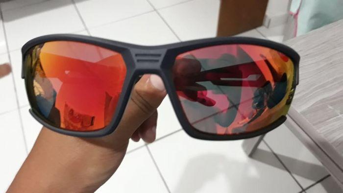 aed3ca4ea ... um Oculos num bom preço com lente polarizada, encaixou muito bem com o  capacete ja usei no pedal o suor passa por ele e so custou 200 Bolsonaros,  ...