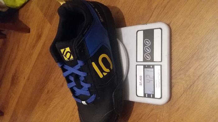 Peso de capacetes, proteções, roupas e acessórios - Pedal.com.br - Forum 6855749d27