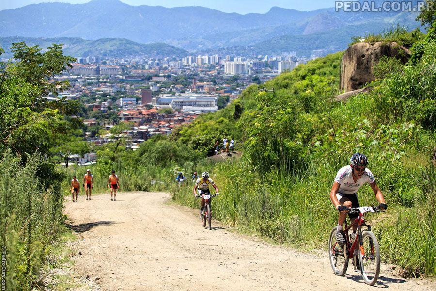 Circuito Xc : Circuito xc de favelas complexo do alemão foto