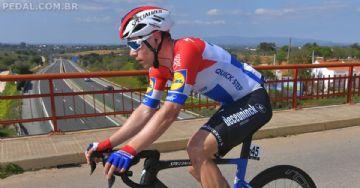 Fabio Jakobsen passa por cirurgia de cinco horas e segue em coma depois de queda no Tour da Polônia