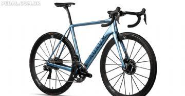 Aurum Magma - Bike criada por Alberto Contador e Ivan Basso é apresentada