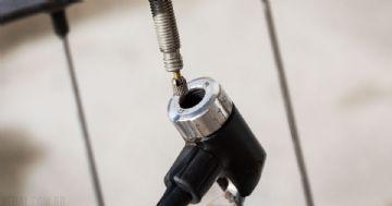 Como encher o pneu da bicicleta corretamente