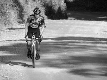 Everesting - Fred Costa Pinto completa desafio na terra
