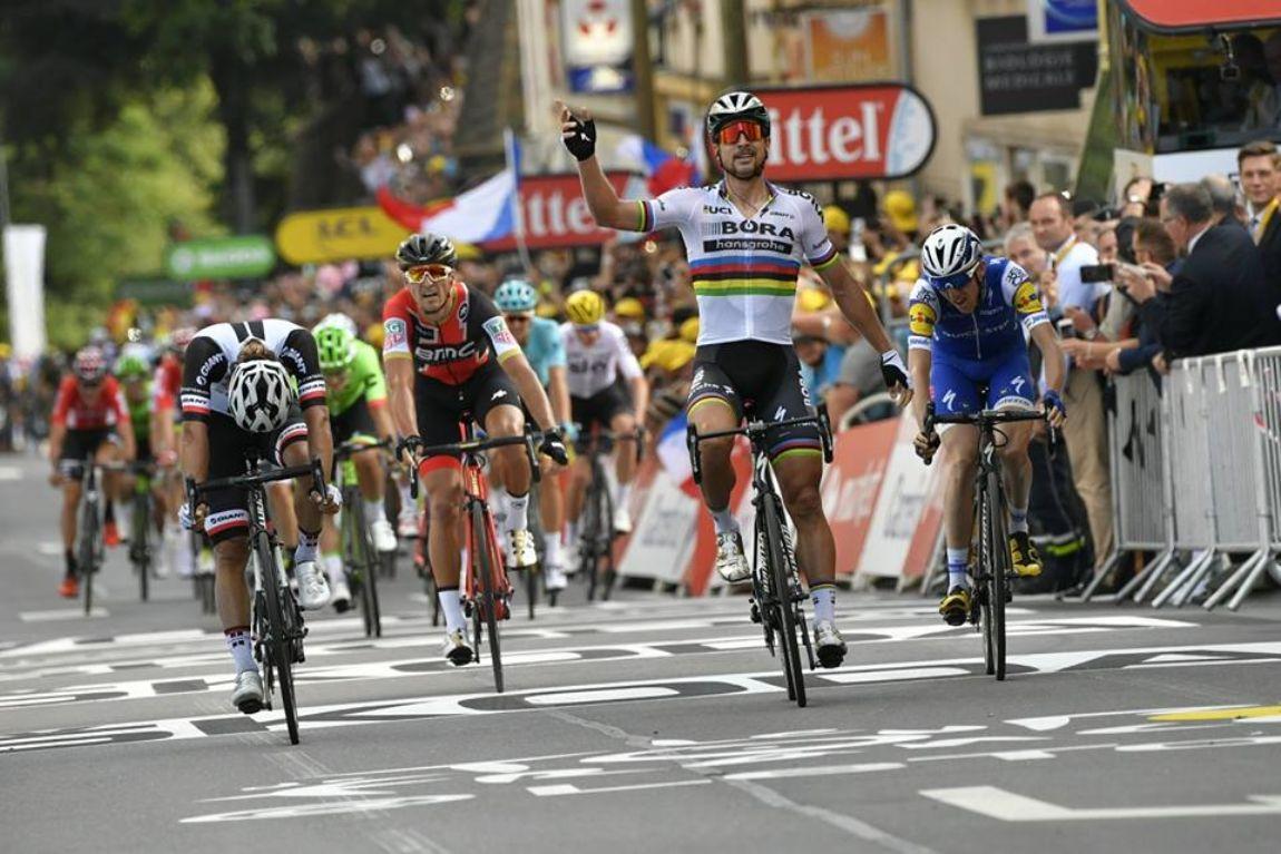 Volta da França: Arnaud Demare vence a quarta etapa da competição