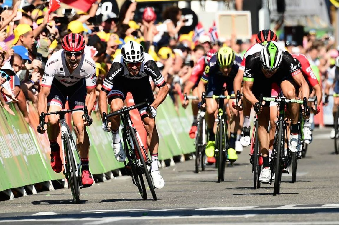 Froome recupera a amarela em 14.ª etapa vencida por Matthews