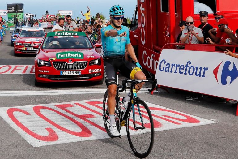 Lutsenko foge a toda a gente, mas Froome reforça liderança — Vuelta