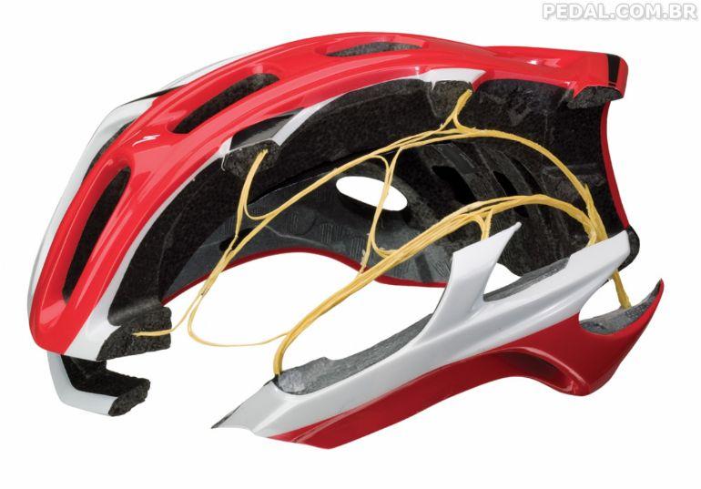 Alguns capacetes também tem tenologias que prometem espalhar o impacto 9b1c1ad215048