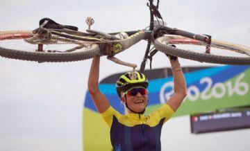 Jenny Rissveds, campeã olímpica, afasta-se do esporte para tratamento psicológico
