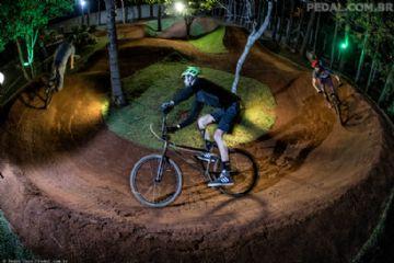 Bike Beer Café - Pump Track perto de BH reúne amigos, família e diversão