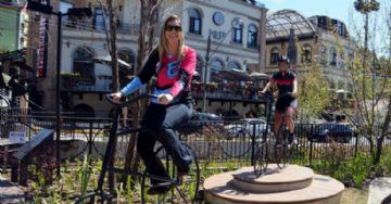 Adriana Nascimento e Patrícia Loureiro ganham homenagem com esculturas de bike em Campos do Jordão