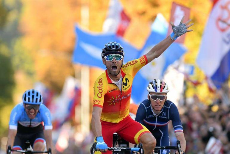 Mundial de Estrada 2018 - Valverde veste a arco-iris pela primeira ... 15e5deec96d75