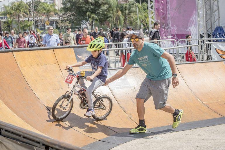 Entre as opções de lazer e entretenimento estão uma arena com atividades exclusivas para as crianças e pista para testar as bicicletas mais novas do mercado. Foto: Divulgação.