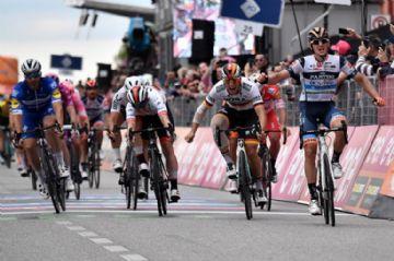 Giro d'Italia 2019 #18 - Vídeo - Cima conquista vitória mais emocionante do Giro até agora