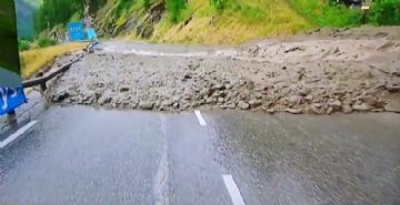 Tour de France 2019 #19 - Etapa interrompida têm Bernal líder, adeus de Pinot e deslizamento de lama