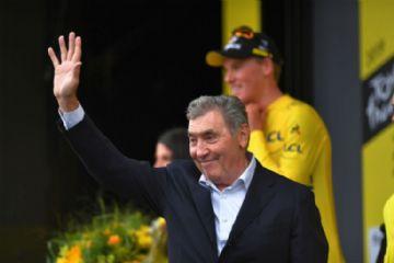 Eddy Merckx sofre ferimento grave na cabeça após queda