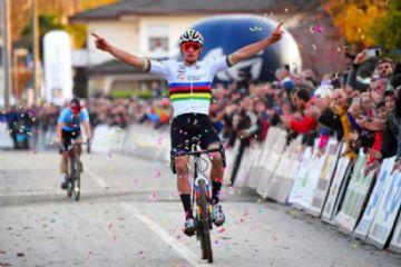 Mathieu van der Poel conquista o terceiro Campeonato Europeu de Cyclocross